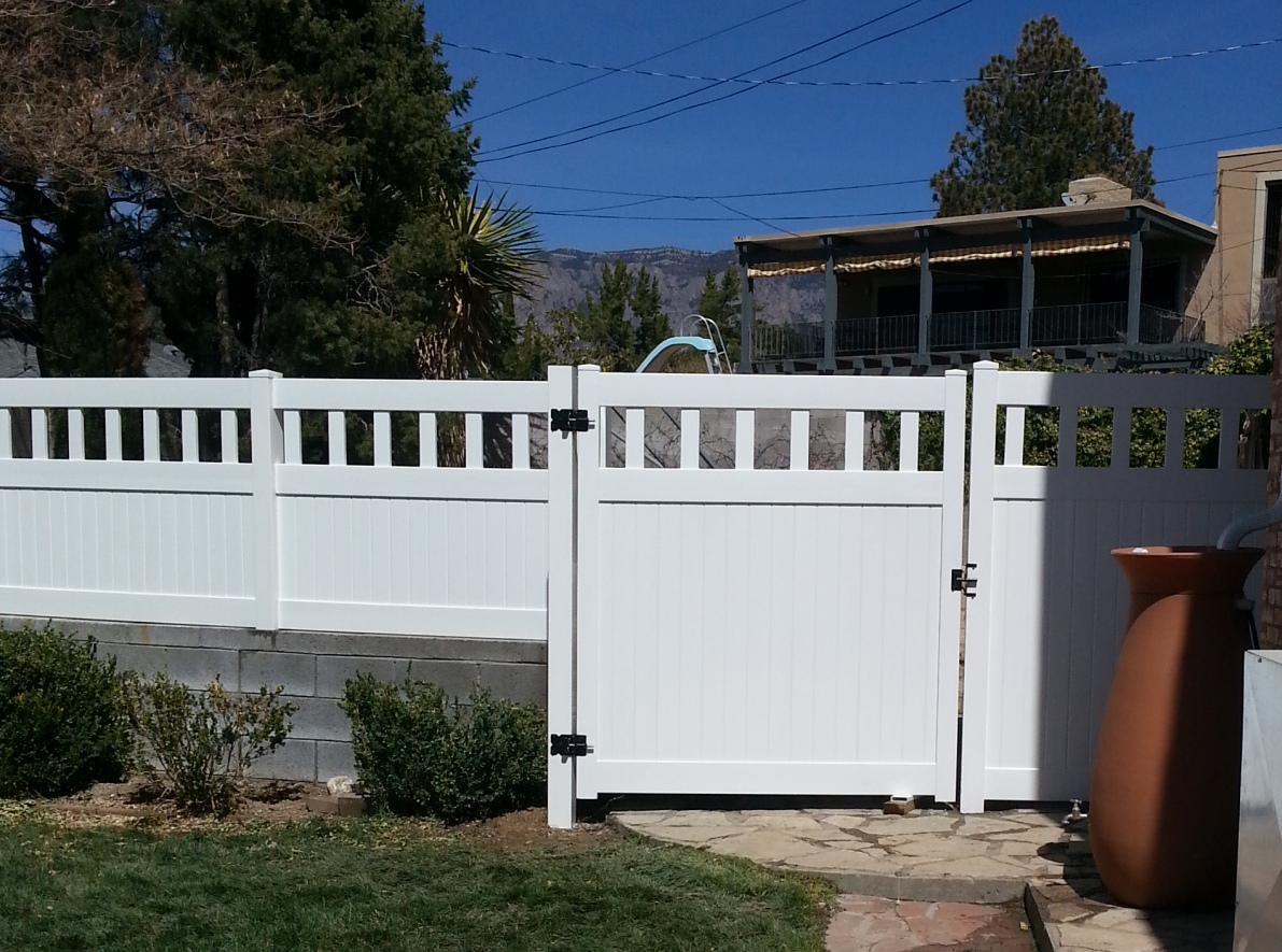 White Privacy with Gate