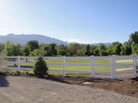 3 rail ranch horse fence